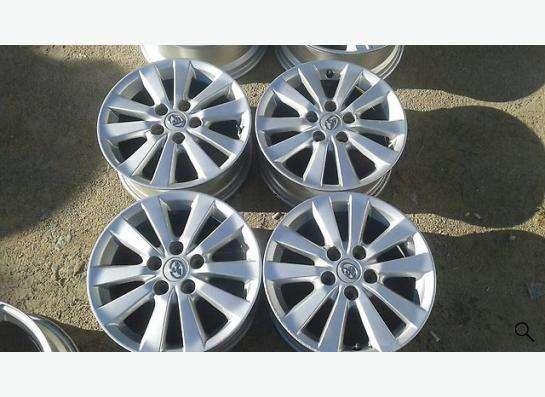Литые диски для Toyota оригинальные!!! R 16