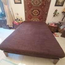 Продать кровать и тумбочки, в г.Хайфа