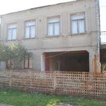 Продажа частного двухэтажного дома в хорошем районе Поти, в г.Поти