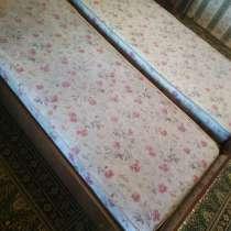 Кровати + матрасы отдам за 500 грн. Срочно. Самовывоз!, в г.Одесса