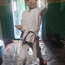 Продам кимоно каратэ 4-6 лет 800 руб, в г.Макеевка