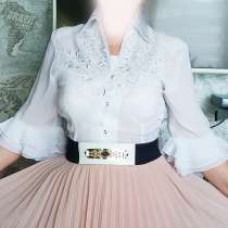 Белая блуза с вышивкой и стразами, в Санкт-Петербурге