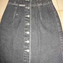 Новая джинсовая юбка на пуговицах 26 размера, в Пятигорске