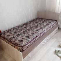 Кровать с выдвижными ящичками. Пользовались 6 месяцев!, в Благовещенске