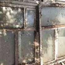 Отдам старые деревянные окна со стеклами и без, в Ростове-на-Дону