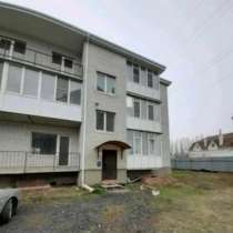Продаётся крупногабаритная квартира с мансардой, в Таганроге