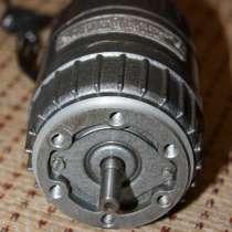 Электродвигатель АВЕ-042-4МУ3, 220В, 1300 об/мин, 25W, 1вал, в Саратове