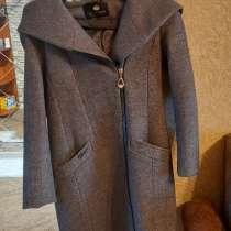 Продам вещи ; пальто осеннее, сапоги зимние и осеннее, в Ульяновске