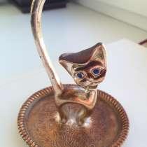 Кот для хранения колец, в Москве