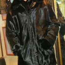 Продаю куртку мужскую из кожи с ворсом и воротом из норки, в Барнауле