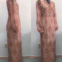 Совершенно новое платье размер s, в Якутске