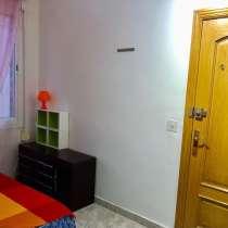 Комната в Барселоне на длительный срок, в г.Барселона