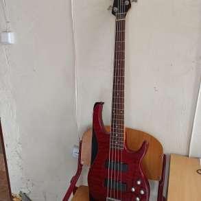 Бас гитара 5 струн и комбик 45 ват, в г.Ереван