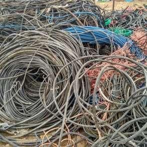 Закупаем лом металлов(пробки, банки, радиаторы, провода,АКБ), в Пятигорске