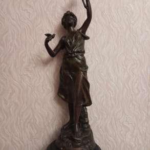 Статуэтка Девушки с цветком 19 век, в Казани