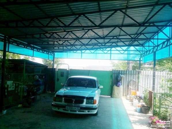 Продам дом на участке 6 соток с фруктовым садом и цветником в Армавире