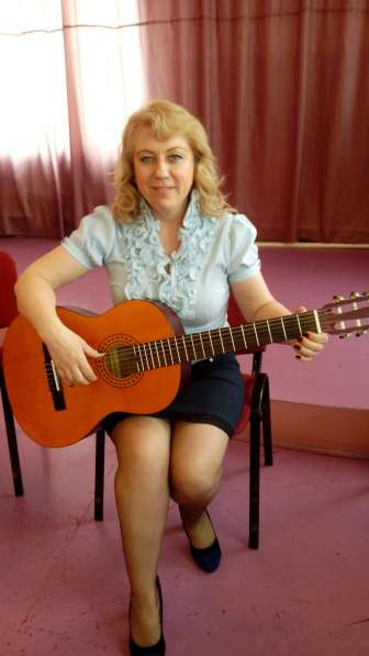 Обучение игре на классической шестиструнной гитаре!