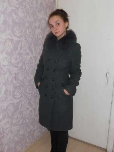Пальто с песцовым воротником пальто