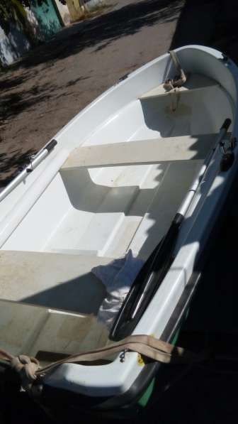 Продам лодку с мотором Сузуки. Евпатория.