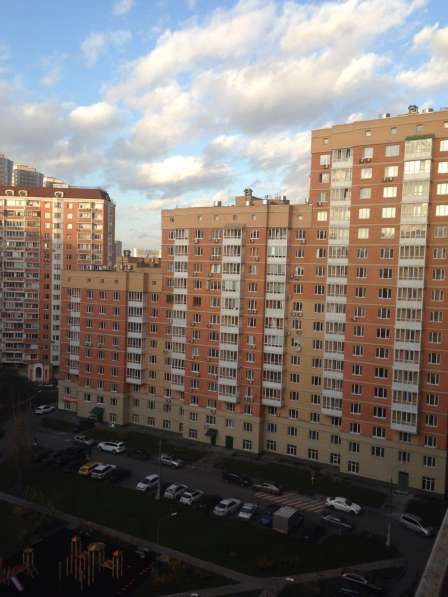 Продаю машино-место в ГСК на -2 этаже 19 кв. м. у м. Перово