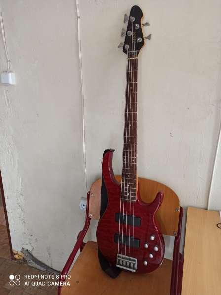 Бас гитара 5 струн и комбик 45 ват