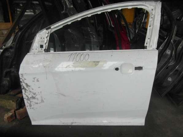 Левая дверь на Форд Фокус