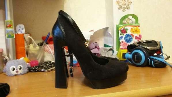 Продаются туфли замша 35 размер модные стильные