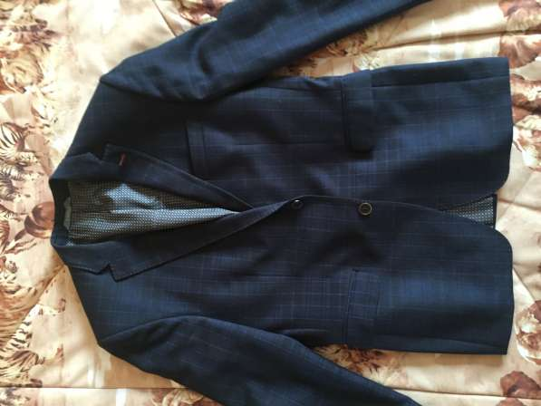 Мужской пиджак приталенный