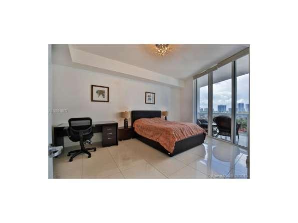 Апартамент с видом на океан в Санни-Айлс-Бич в фото 3