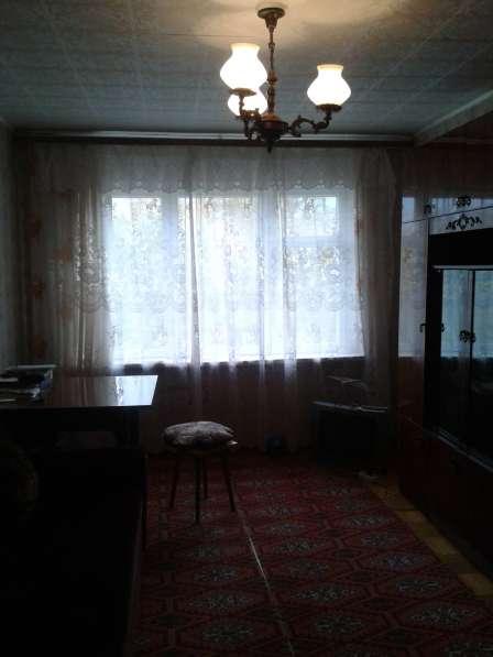 Продам 2-х комнатную квартиру на берегу пруда