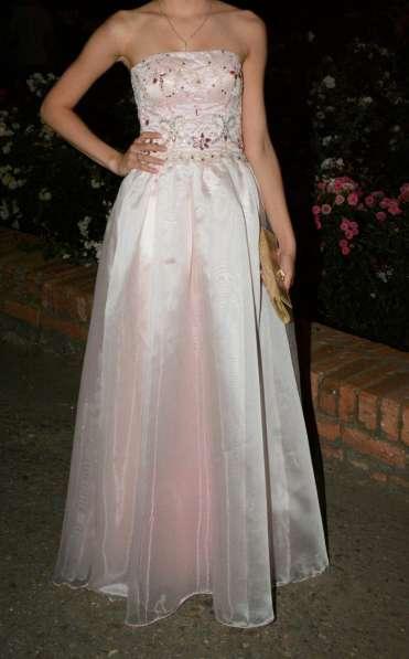 Продаю элегантное платье, размер40-42