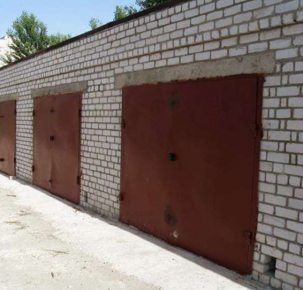 Недорого кирпичный гараж