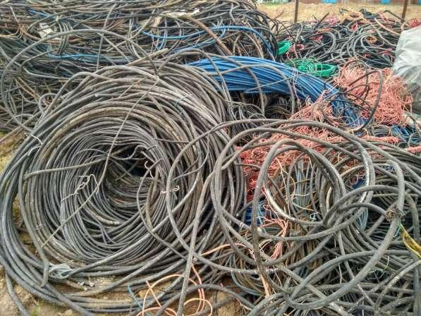 Закупаем лом металлов(пробки, банки, радиаторы, провода,АКБ)