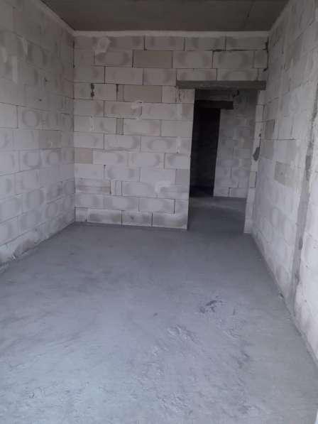 3-х комн. квартира в новостройке около метро 28 Мая в фото 4