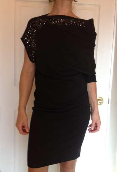 Платье нарядное размера s