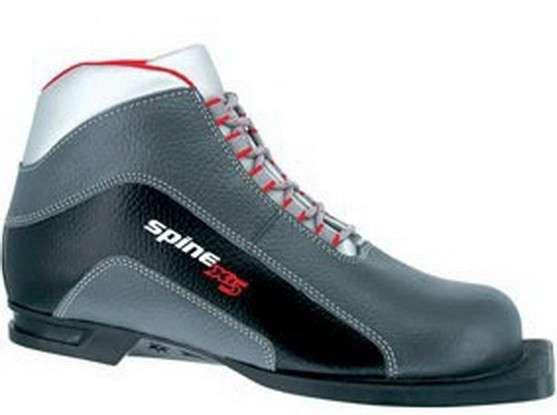 Ботинки лыжные подростковые для ступни примерно 20-21 см