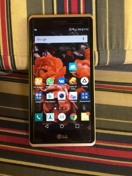 Продаю телефон LG glass magnum