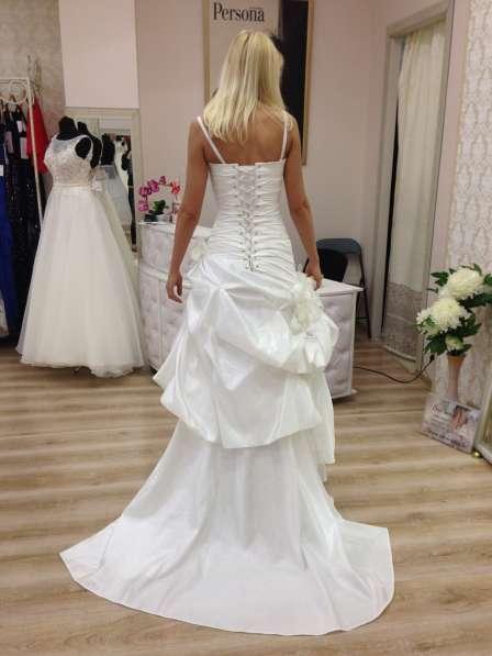 Свадебное необычное платье с пионами, 42-44.13000 руб