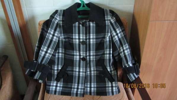 Продам женское полу пальто р.44