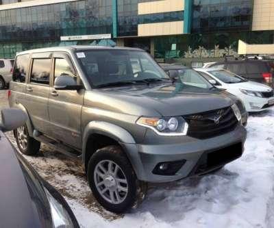автомобиль УАЗ Patriot