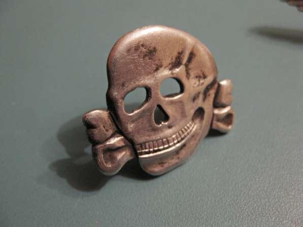 Эмблема и мертвая голова на фуражку эсэсовца (серебро) в фото 5