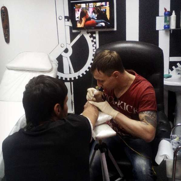 Делаю татуировки