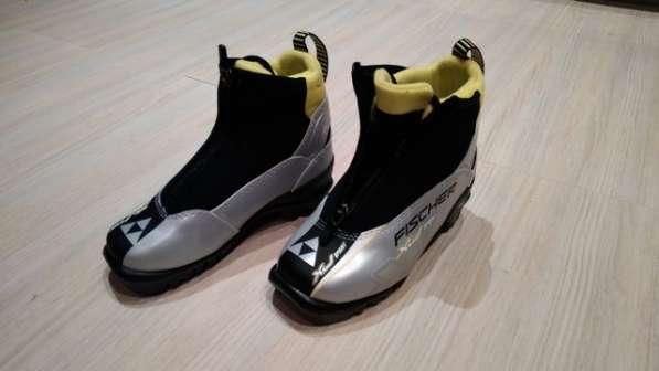 Продаю новые детские лыжные ботинки FISCHER
