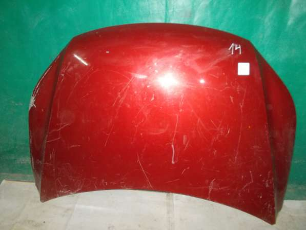 Капот Volkswagen Tiguan. Красный