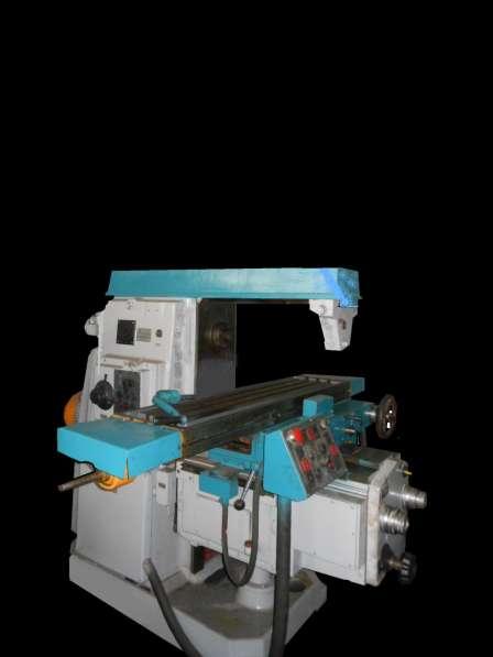 Станок горизонтально-фрезерный консольный 6Т82Г-1