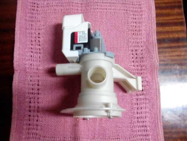 Помпа для ст. машины Whirlpool 65-15 / новая в фото 3