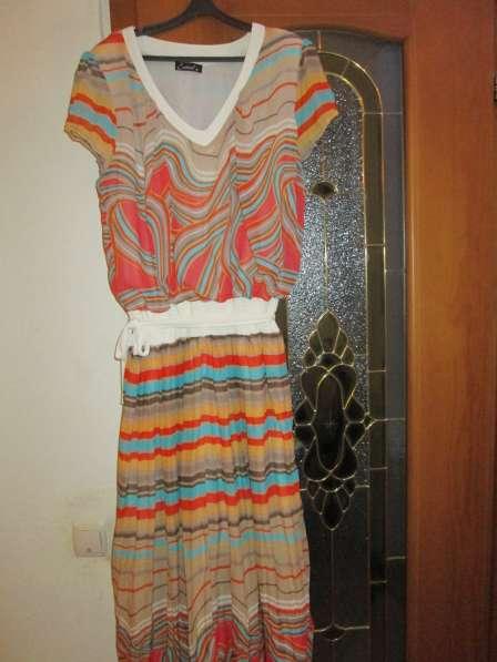 Платье нарядное летнее раз 48-50. шелк с отрезной юбкой по т