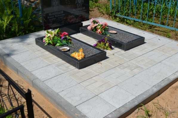 Благоустройство могил и установка памятника Солигорск в фото 7