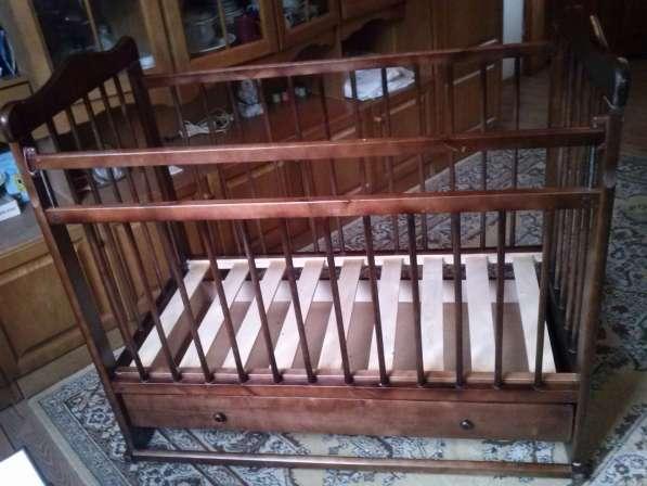 Продаю детскую кроватку в хорошем состоянии