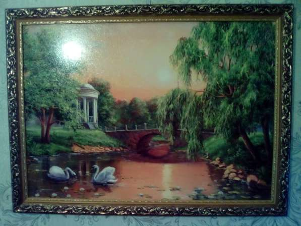 Картина 2 лебедя на озере